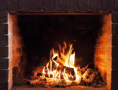 Gas or Wood Burning Fireplace: Which is Right for You?